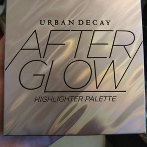 Urban Decay After Glow Highlighter